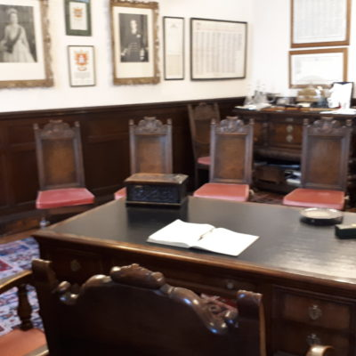 Example layout in the Mayors Parlour, the smallest room. Seating laid out around the Mayor's desk.
